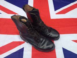 EX MILITARY BRITISH ASSULT BOOTS VARIOUS SIZES / GRADE